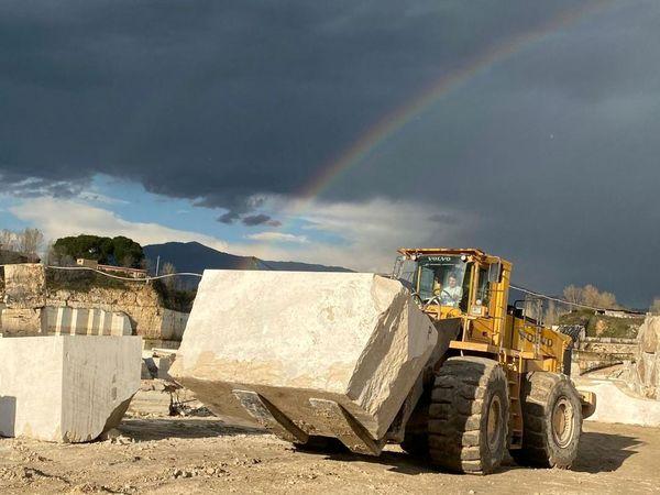 واکاوی و عارضه یابی رویه های غیر متعارف در رقابت صنعت سنگ ساختمانی ایران