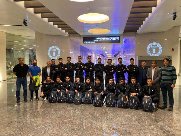 اعضاء تیم ملی هاکی روی چمن امید ایران در فرودگاه مسقط عمان
