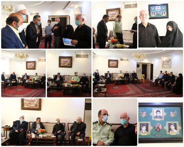  دیدار شهردار منطقه با خانواده شهیدان فاضل بجستانی