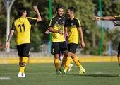 تیم فوتبال جوانان امارات وارد تهران شدند