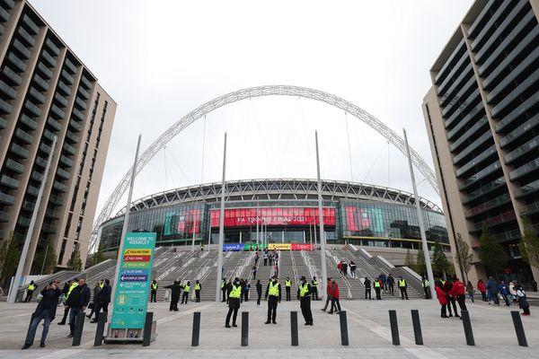 ساینیج LED جدید و چشمگیر ال جی در استادیوم Wembley لندن برای استقبال از بازگشت تماشاگران
