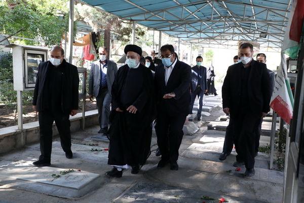 تجدید میثاق رییس جمهور و هیأت وزیران دولت سیزدهم با آرمان های امام و شهدا