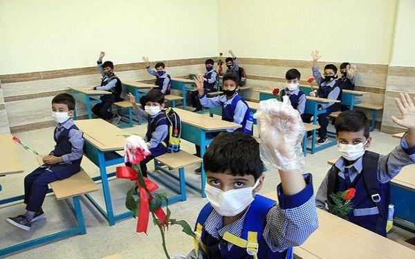 ۲۸۰ هزار دانشآموز قمی در سال تحصیلی جدید به مدرسه میروند