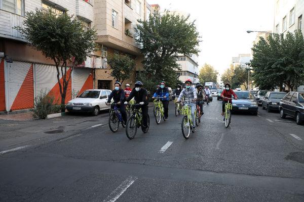 پیوستن دانشجویان خارجی به پویش سه شنبه های بدون خودرو در منطقه ۱۳
