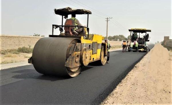 اجرای طرح بهسازی درمحورهای روستایی دهستان قمرود بخش مرکزی قم
