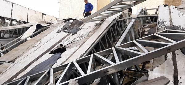 پیشگیری از ساخت وساز غیر مجاز و برخورد قاطع با تخلفات ساختمانی در منطقه چهار
