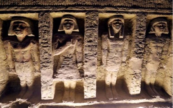 کشف یک مقبره باستانی در مصر + عکس