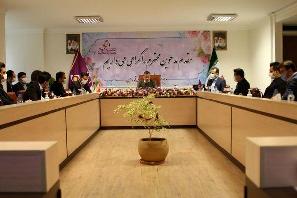 بازدید مدیرعامل بانک از شعب استان فارس و شرکت در جلسه اداری مدیریت استان