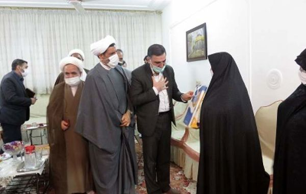 ملت ایران وفادار به خونهای شهداست