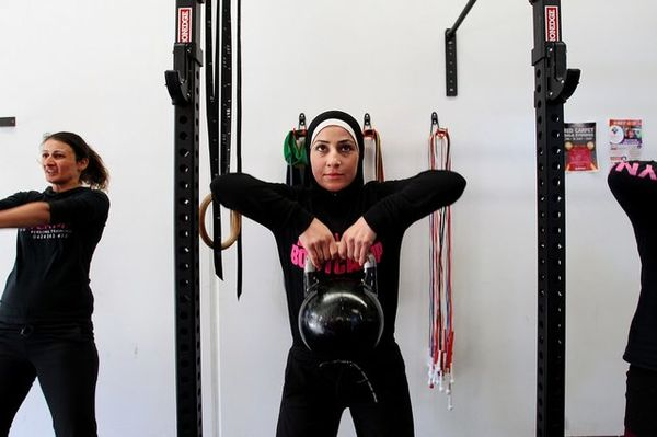 چه ورزشهایی برای افزایش باروری زنان مناسبند؟