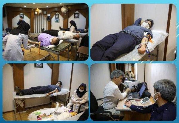 اهدای خون کارکنان شهرداری منطقه 15
