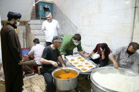 پخت و توزیع 36 هزار وعده غذای گرم در دهه اول محرم به همت طلاب جهادی قم