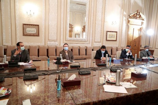 برگزاری نشست اعضای هیات مدیره و هیات عامل بانک ملی ایران
