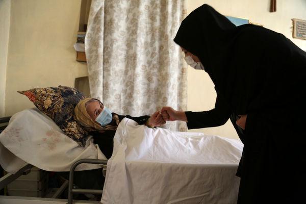 راه اندازی طرح واکسیناسیون سیار شهری علیه کرونا در منطقه 7