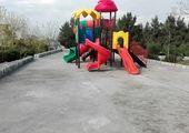 تعویض و نوسازی کف پوش زمین بازی کودکان در بوستان های منطقه سه