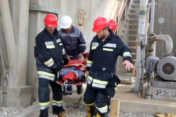 مانوراطفاء حریق مخزن در پتروشیمی بوعلی سینا انجام شد