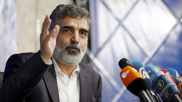 ایران با کاهش تعهدات از برجام فاصله میگیرد