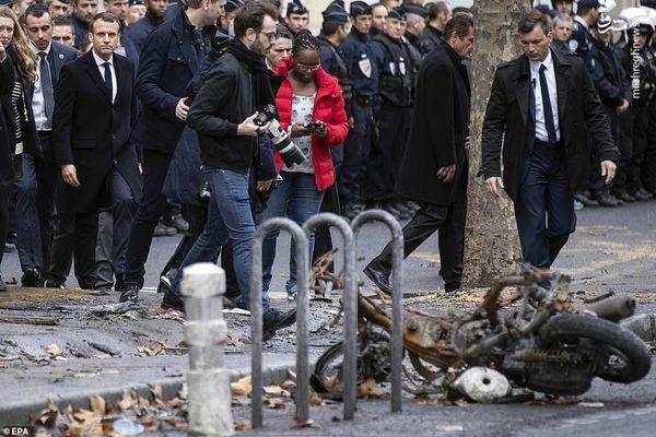 عکس/ حضور ماکرون در خیابانهای جنگ زده