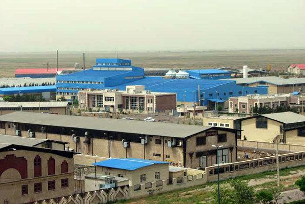 بازگشت 985 واحد صنعتی به چرخه تولید در شهرکهای صنعتی