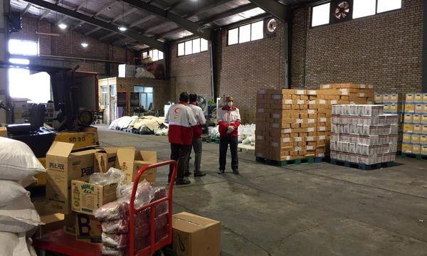 شرکت فروشگاههای زنجیرهای رفاه ۴ هزار بسته حمایتی معیشتی و بهداشتی در سیستان و بلوچستان توزیع کرد